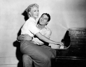 peggy_lee_danny_thomas_the_jazz_singer_1952-300x236 dans UN MESSAGE